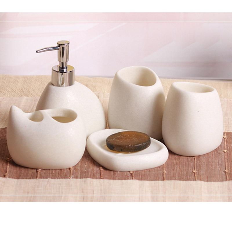 Set di accessori da bagno come scegliere giordano corredi - Set accessori bagno ...